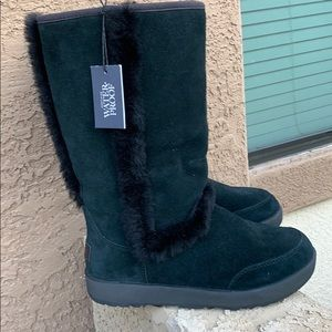 UGG boots black size 8 Brand New
